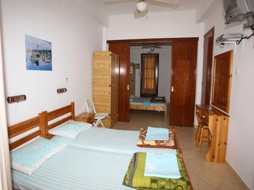 Holidays at Venia Studio Apartments in Lassi, Kefalonia