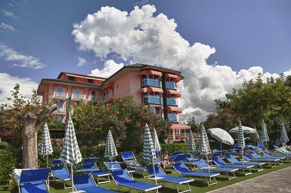 Holidays at Kriss Hotel in Bardolino, Lake Garda