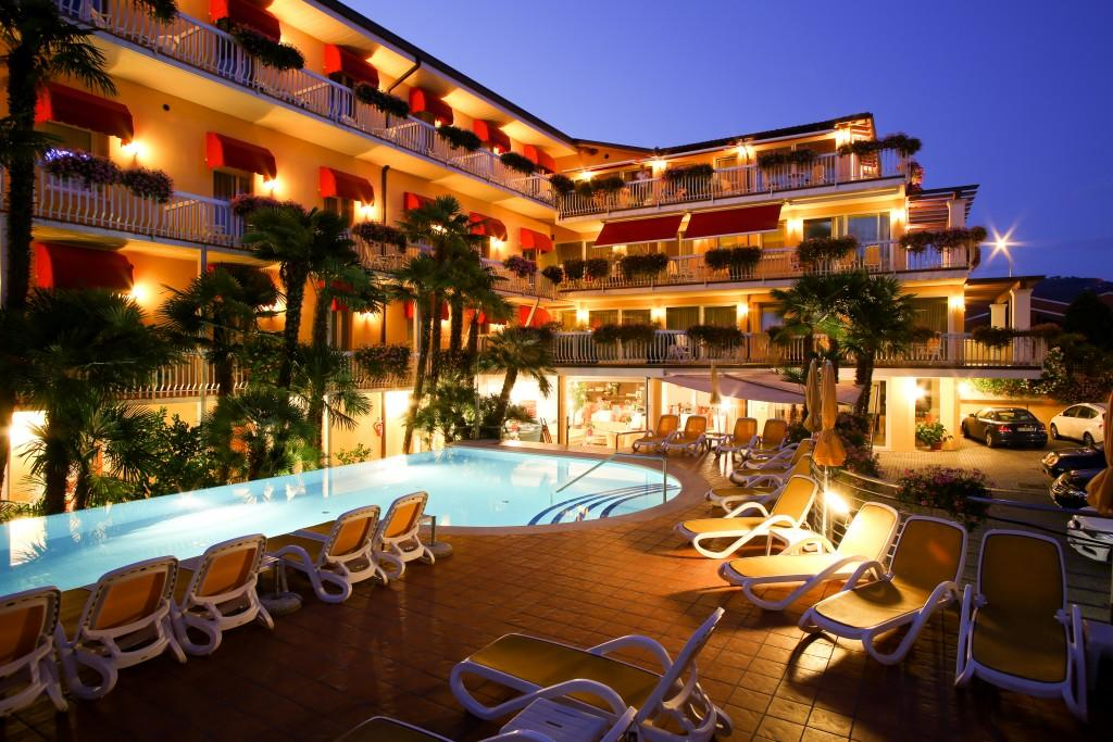 Direct Tv Satellite >> Capri Hotel, Bardolino, Lake Garda, Italy. Book Capri Hotel online