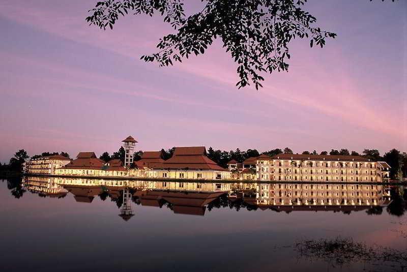 Holidays at Green Lake Resort Hotel in Chiang Mai, Thailand