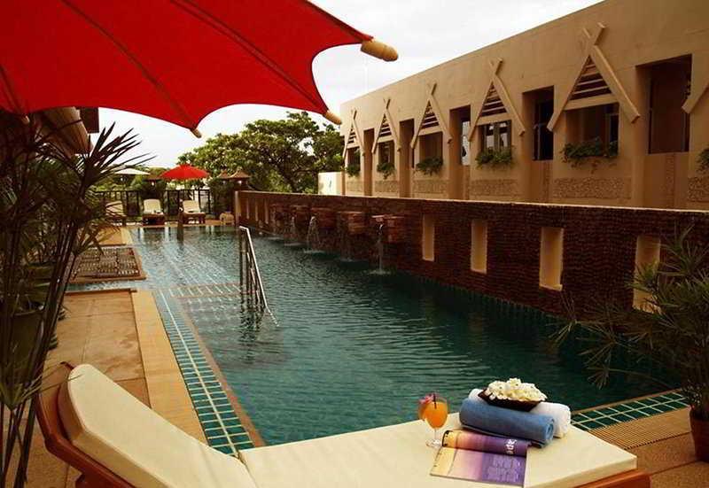 Holidays at Maninarakorn Hotel in Chiang Mai, Thailand