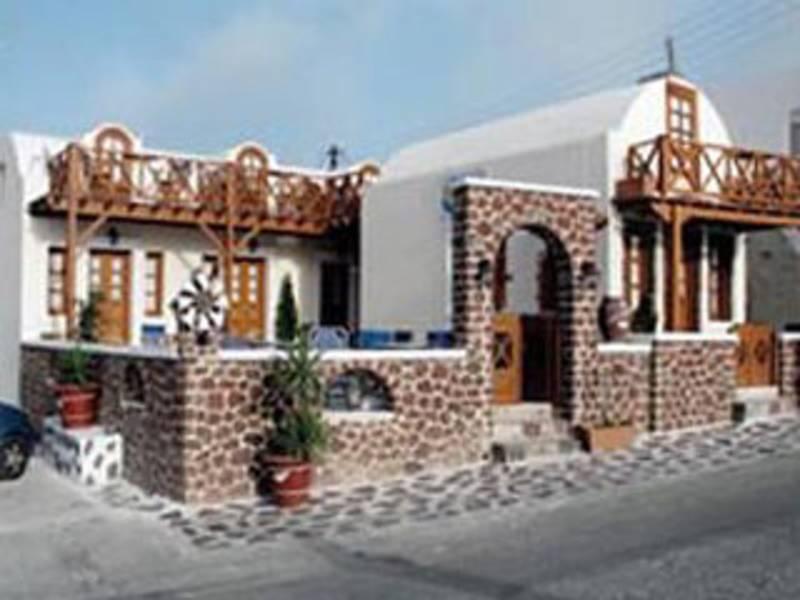 Holidays at Merovigliosso Studios and Apartments in Imerovigli, Santorini