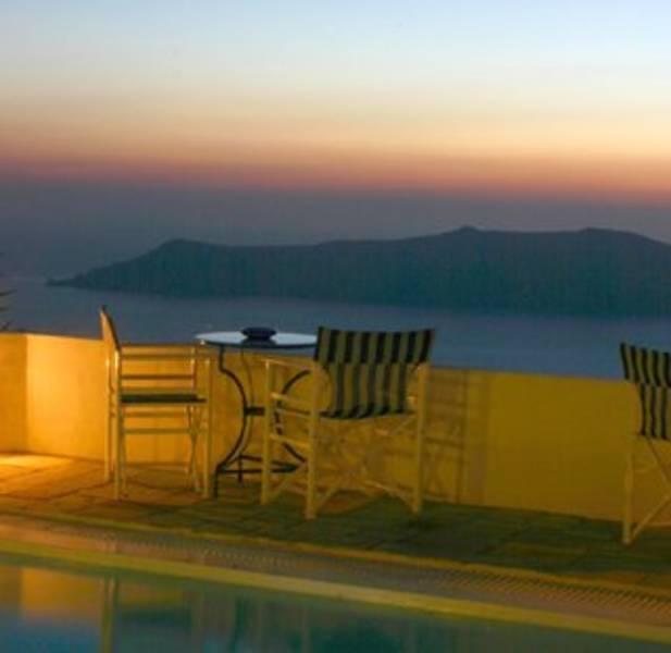 Holidays at Remezzo Apartments in Imerovigli, Santorini
