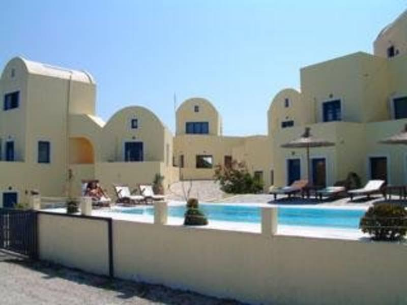 Holidays at Rocabella Deluxe Suites and Spa in Imerovigli, Santorini