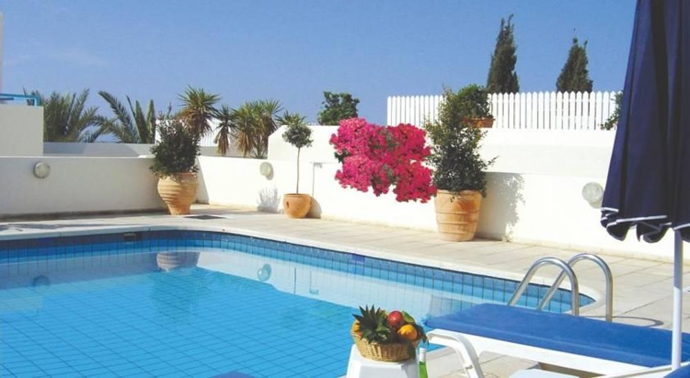 Holidays at Sunny Hill Hotel Apartments in Chloraka, Cyprus