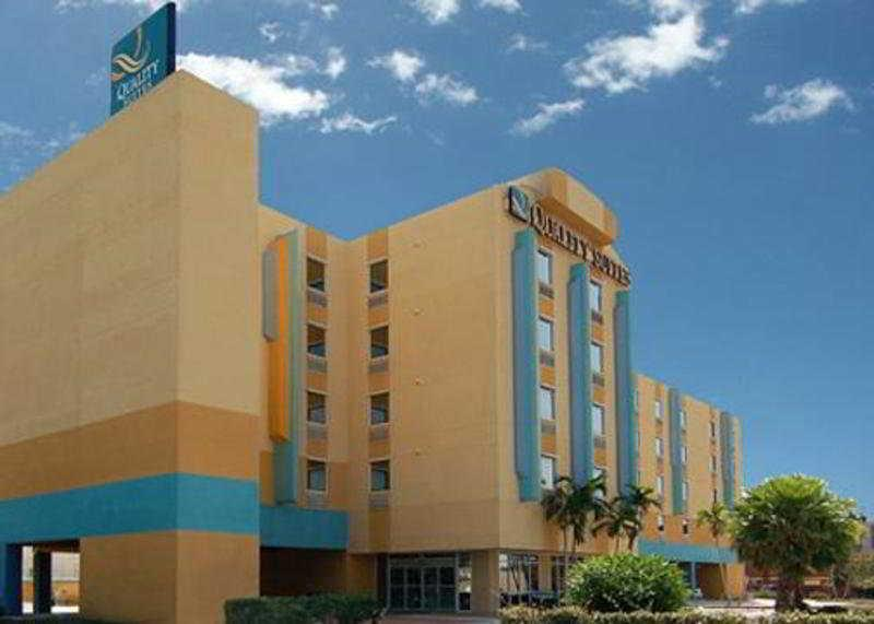 Holidays at Quality Suites Hotel in Cocoa Beach, Florida