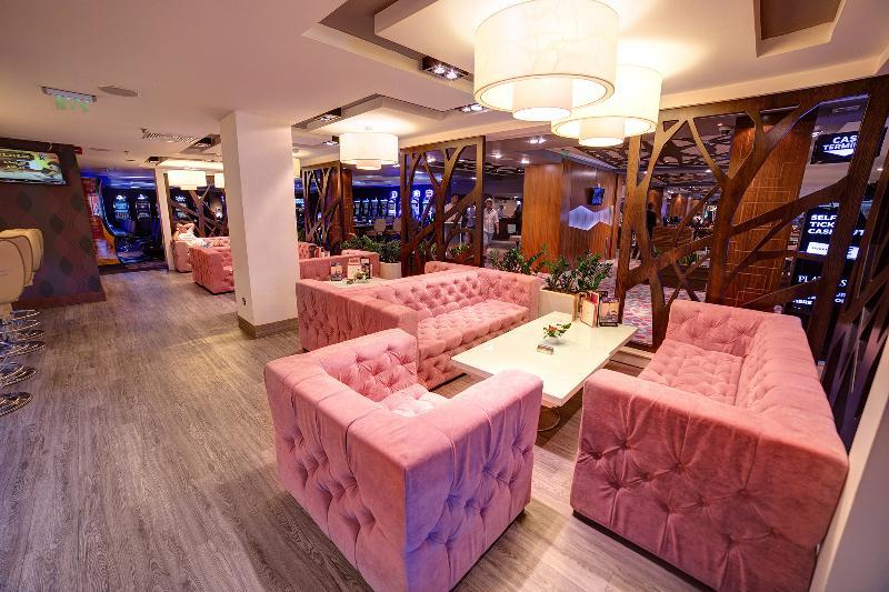 international casino tower suites 5