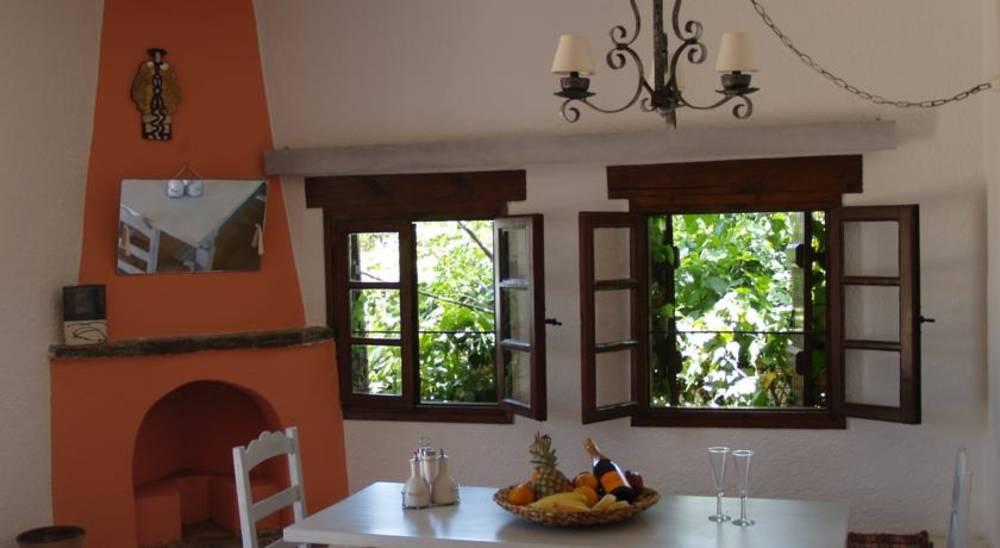 Holidays at Cretan Village Hotel & Apartments in Ammoudara Beach, Aghios Nikolaos