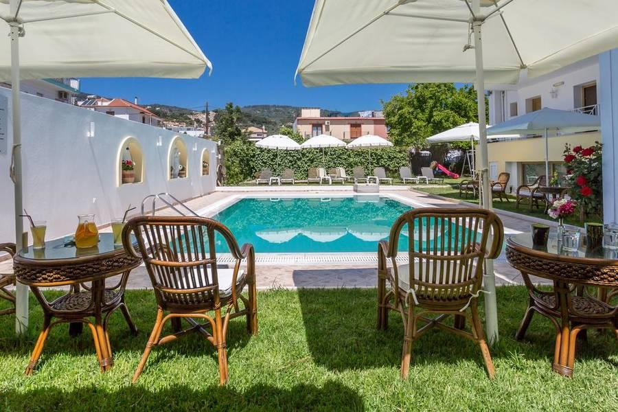 Holidays at Ritsa Apartments in Skiathos Town, Skiathos