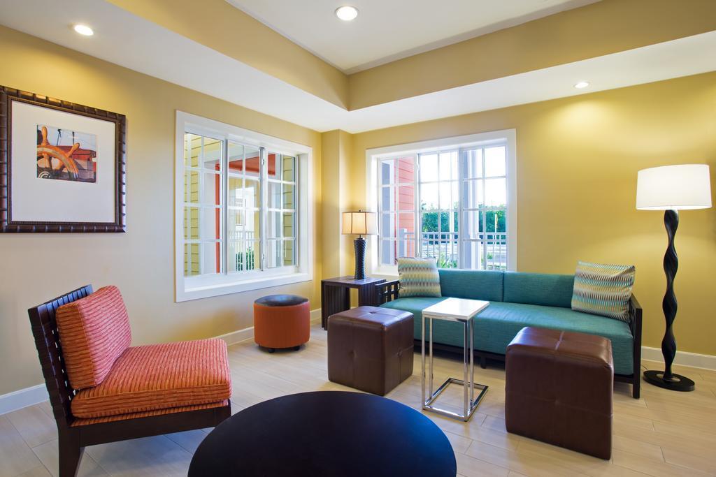 fairfield inn suites key west hotel florida keys. Black Bedroom Furniture Sets. Home Design Ideas