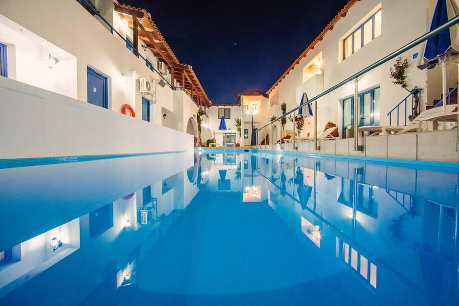 Holidays at Iliana Apartments and Studios in Panormos, Crete