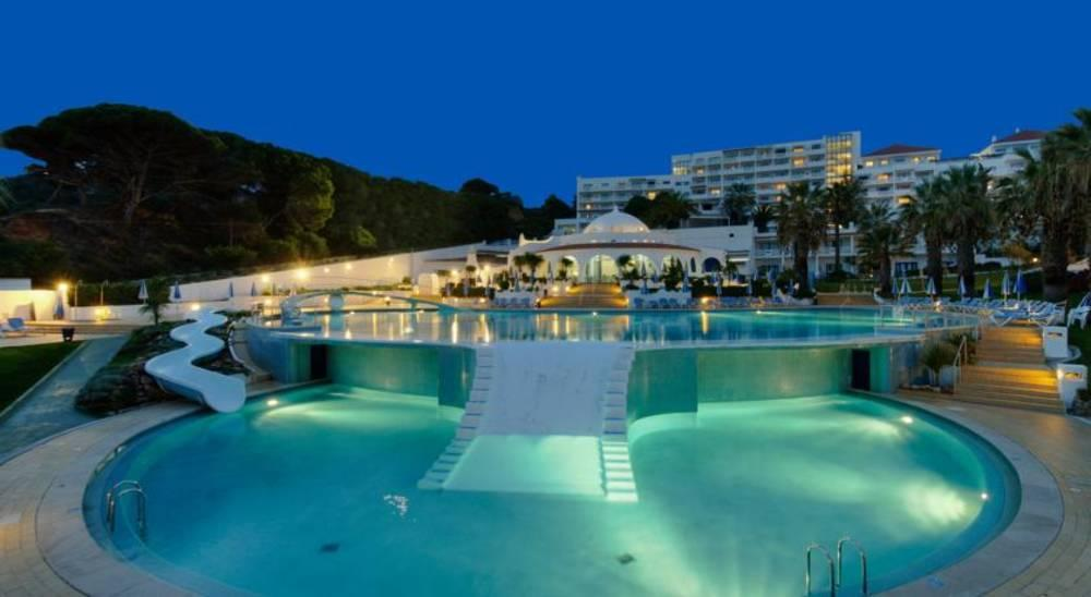 Holidays at Grand Muthu Oura View Beach Club in Albufeira, Algarve