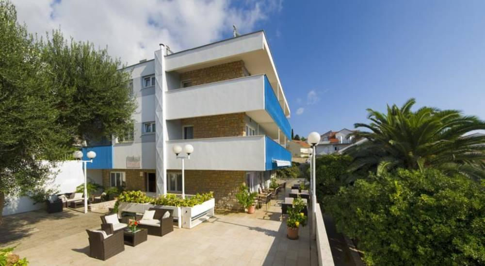 Holidays at Pharia Aparthotel in Hvar Island, Croatia