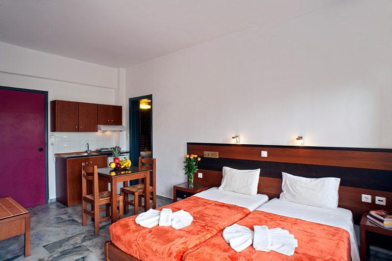Holidays at Nontas Suites in Agii Apostoli, Chania