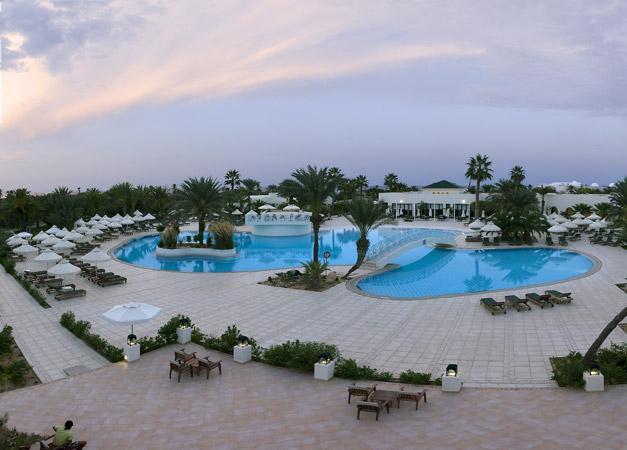 Yadis djerba golf thalasso and spa hotel djerba tunisia for Hotels djerba
