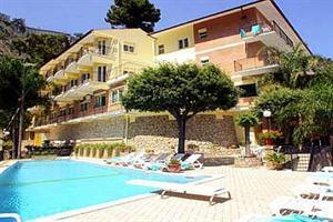 Holidays at Corallo Hotel in Taormina Mare, Sicily