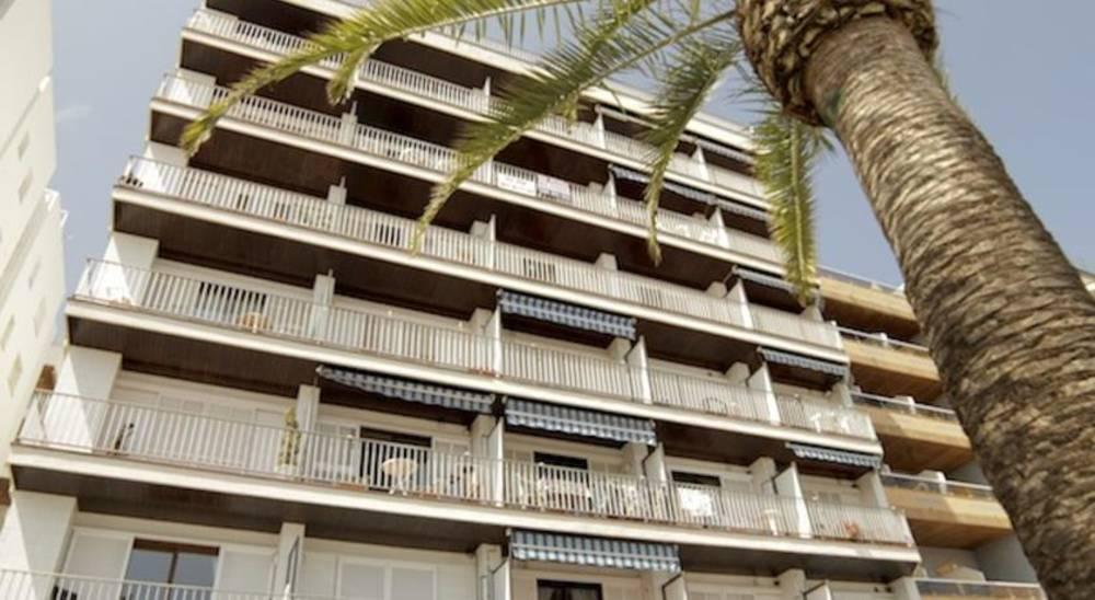 Holidays at Zodiac Apartments in Lloret de Mar, Costa Brava