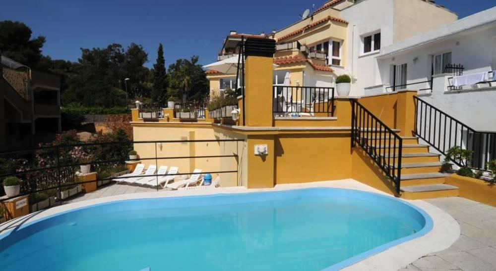 Holidays at Monjardi Apartments in Lloret de Mar, Costa Brava