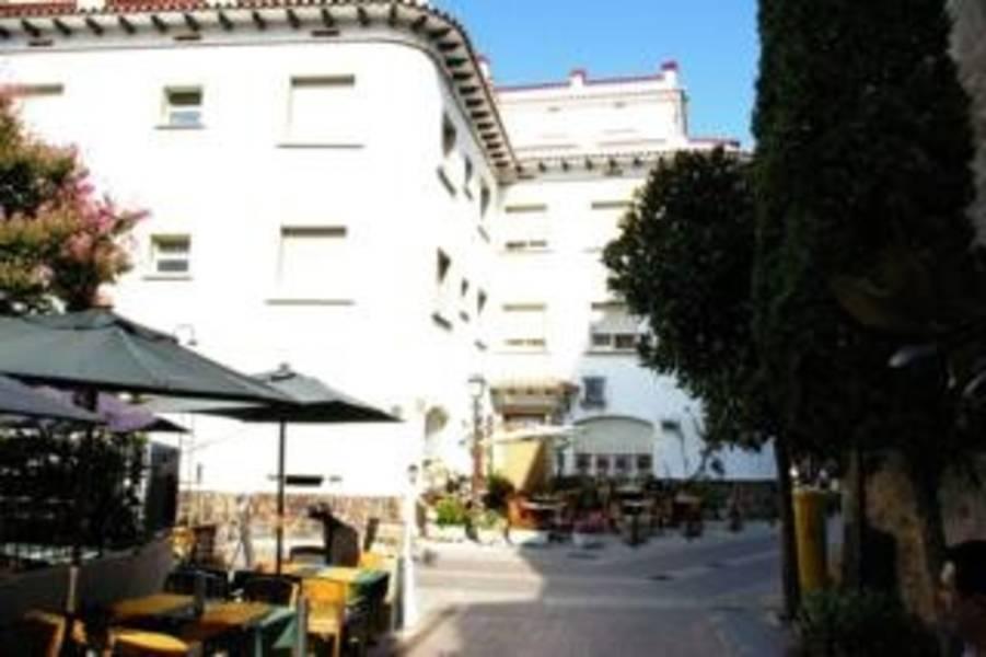 Holidays at Tonet Hotel in Tossa de Mar, Costa Brava