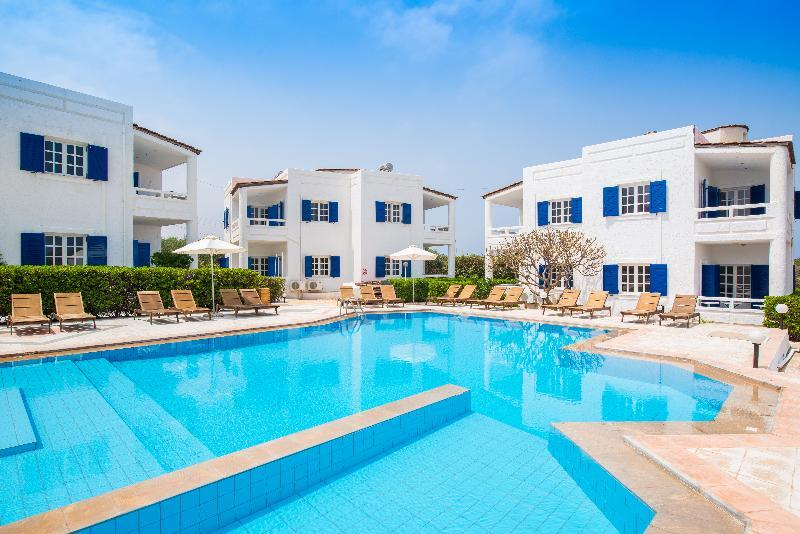Holidays at Arco Baleno Apartments in Anissaras, Hersonissos