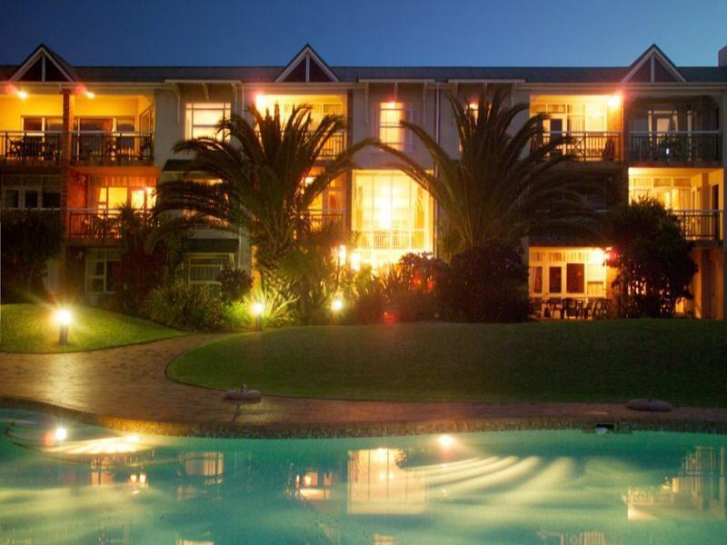 Holidays at Brookes Hill Suite Hotel in Port Elizabeth, South Africa