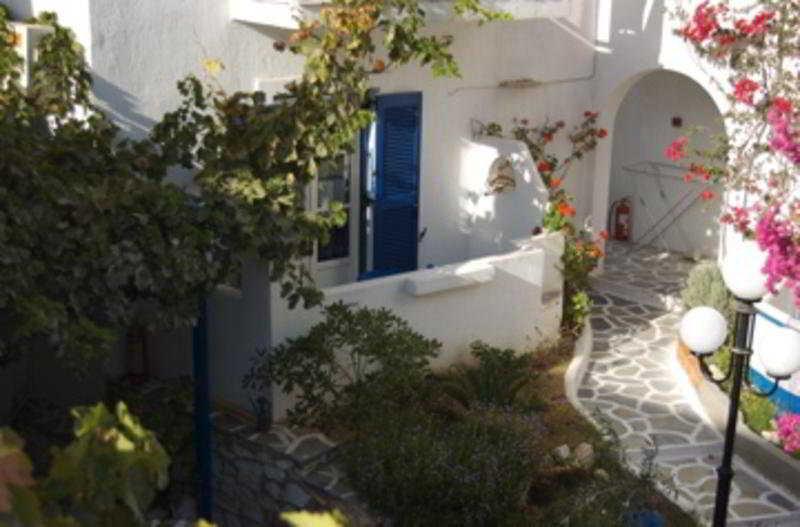 Holidays at Epi Studios Matsas Windmill in Naoussa, Paros