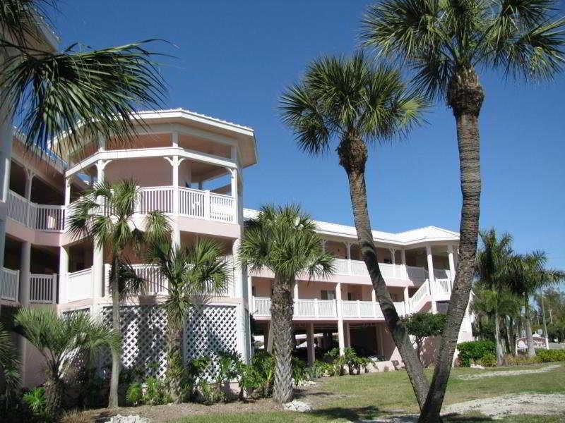 Anna Marie Island Apartments Hotel