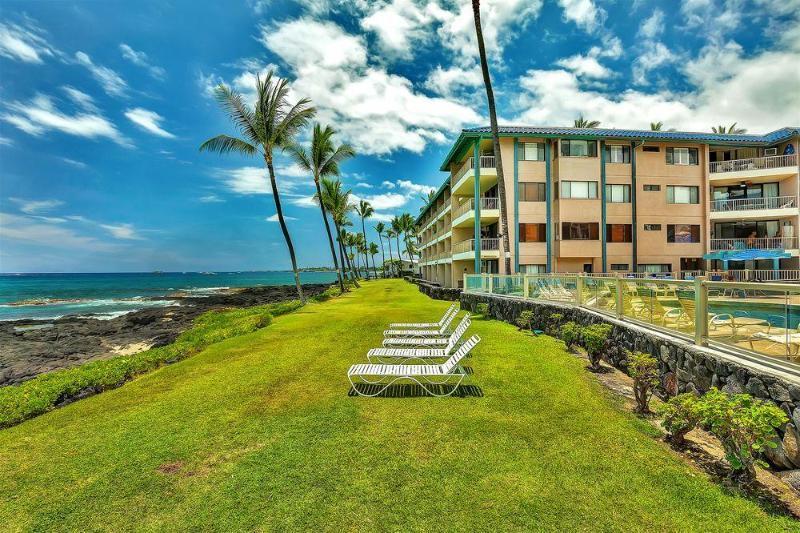 Castle Kona Reef Hotel