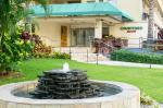 Courtyard By Marriott Waikiki Beach Hotel Picture 2