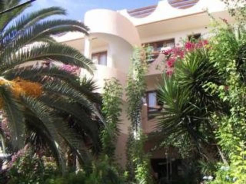 Holidays at Estanques Apartments in Colonia Sant Jordi, Majorca