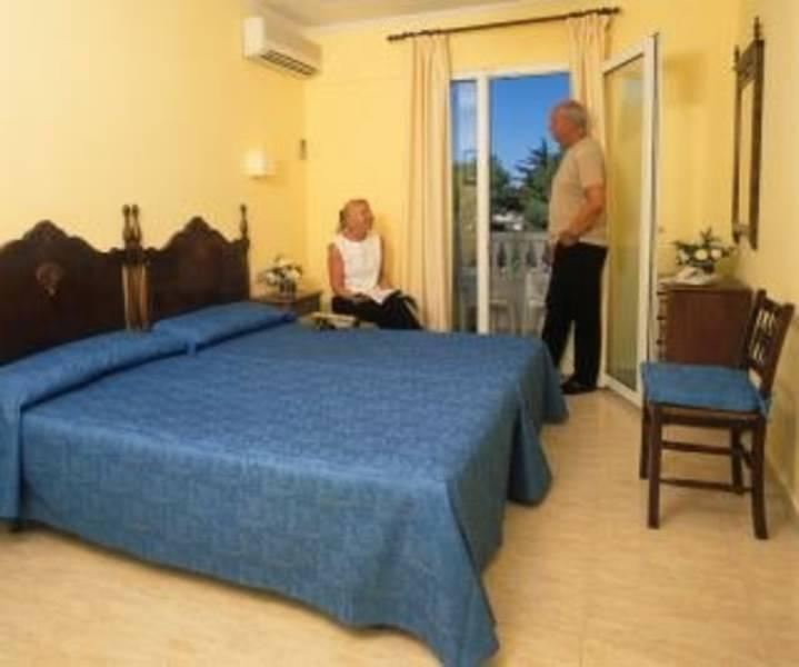 Holidays at Bluewater Hotel in Colonia Sant Jordi, Majorca