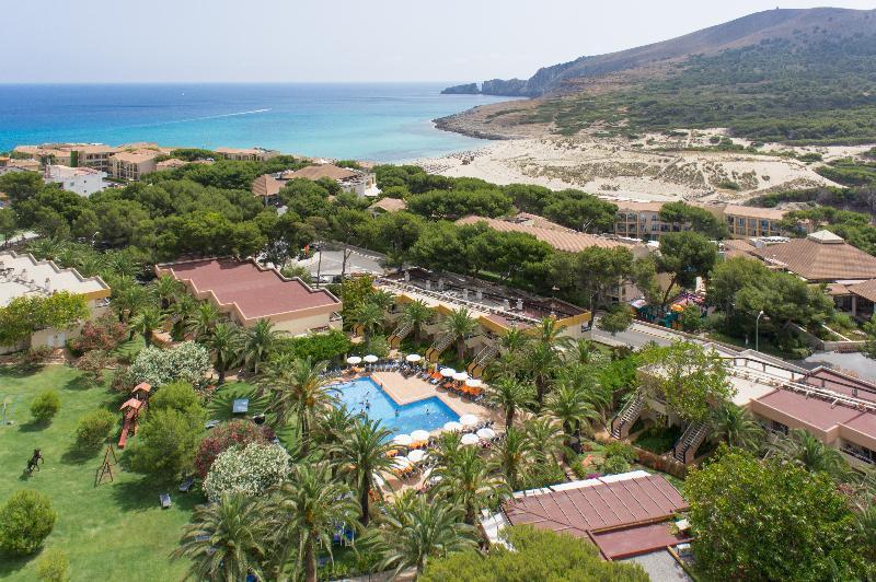 Holidays at Zafiro Park Cala Mesquida Apartments in Cala Mesquida, Majorca