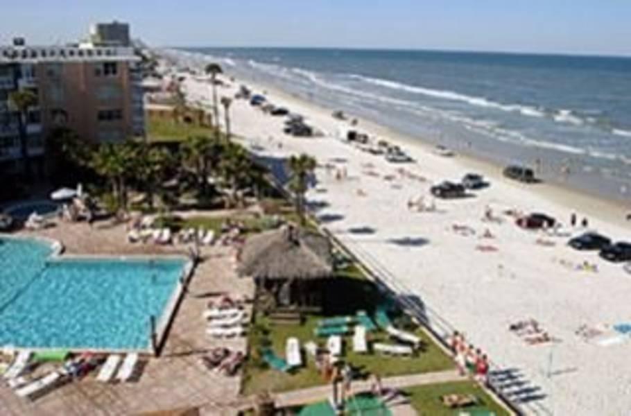 Holidays at Hawaiian Inn Hotel in Daytona, Florida