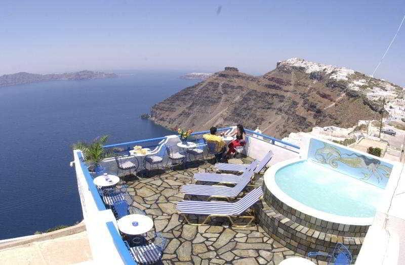 Holidays at Kafieris Apartments in Firostefani, Santorini