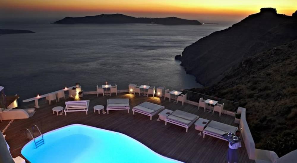Holidays at Sunrocks Apartments in Firostefani, Santorini