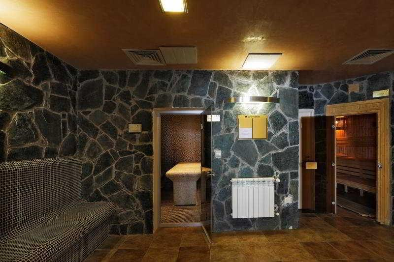 Holidays at Forest Nook Aparthotel in Pamporovo, Bulgaria