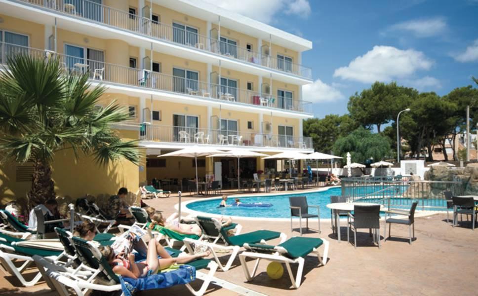 Holidays at Capricho Hotel in Cala Ratjada, Majorca