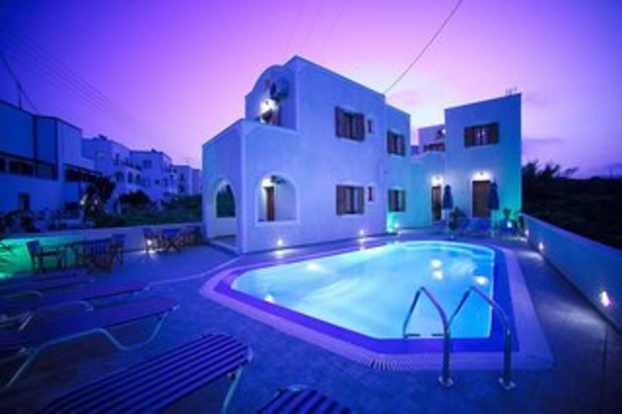 Holidays at Kelenis Apartments in Karterados, Santorini