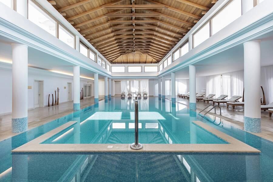 Mitsis laguna resort and spa hotel hersonissos crete for 18 8 salon locations