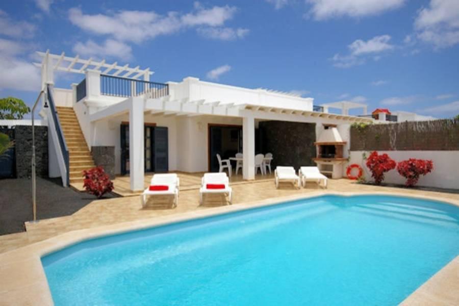 Holidays at Sun Grove Villas in Playa Blanca, Lanzarote