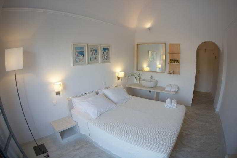 Holidays at 28 Boutique Hotel in Kamari, Santorini