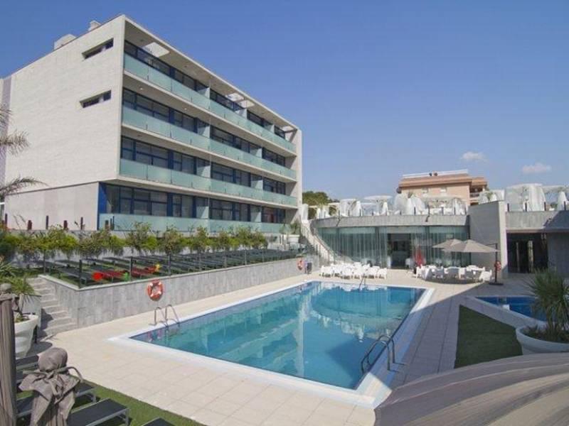 Holidays at Four Elements Suites Aparthotel in Salou, Costa Dorada