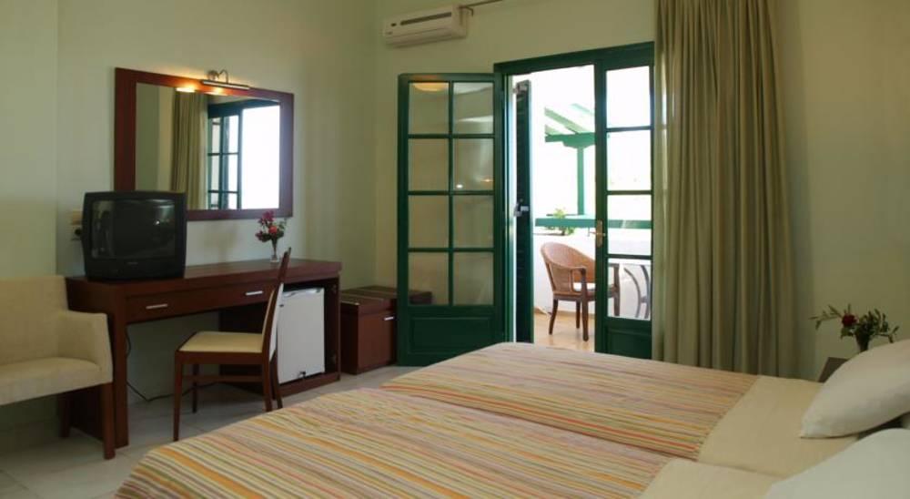 Holidays at Skiathos Club Hotel in Vassilias, Skiathos