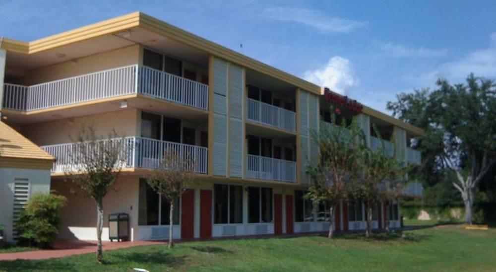 Holidays at Econo Lodge Polynesian Hotel in Kissimmee, Florida