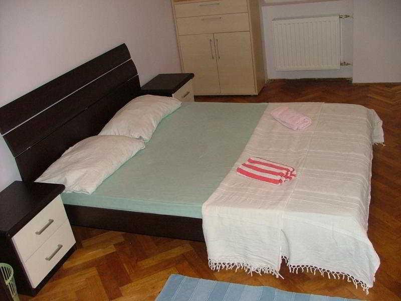 Dominik Apartments