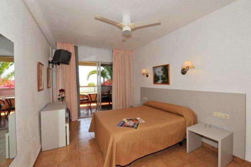 Holidays at Velilla Hostal in Almunecar, Costa del Sol