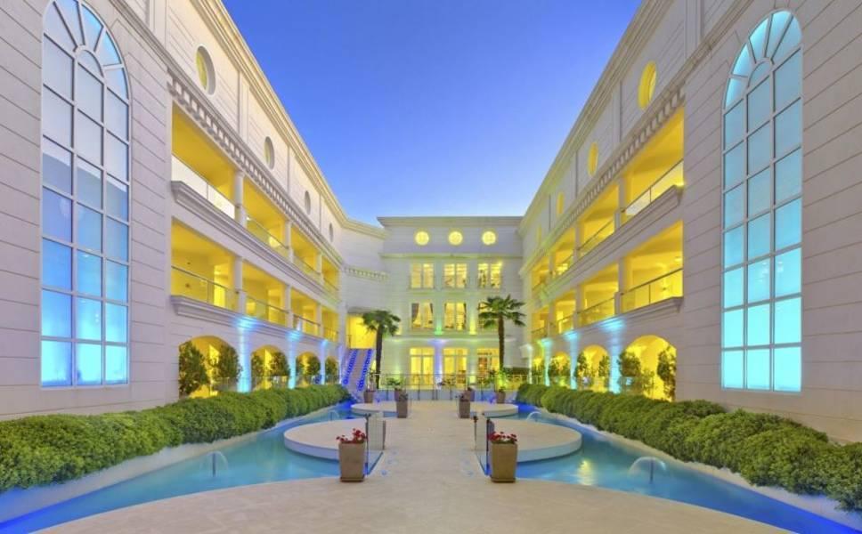 Holidays at Elinotel Apolamare Hotel in Hanioti, Halkidiki