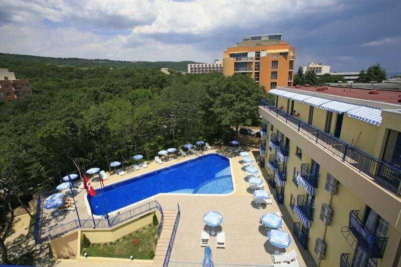 Holidays at Blue Sky Hotel in Golden Sands, Bulgaria