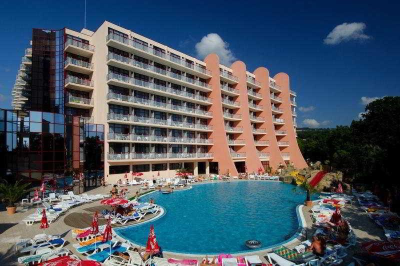Holidays at Helios Spa Hotel in Golden Sands, Bulgaria