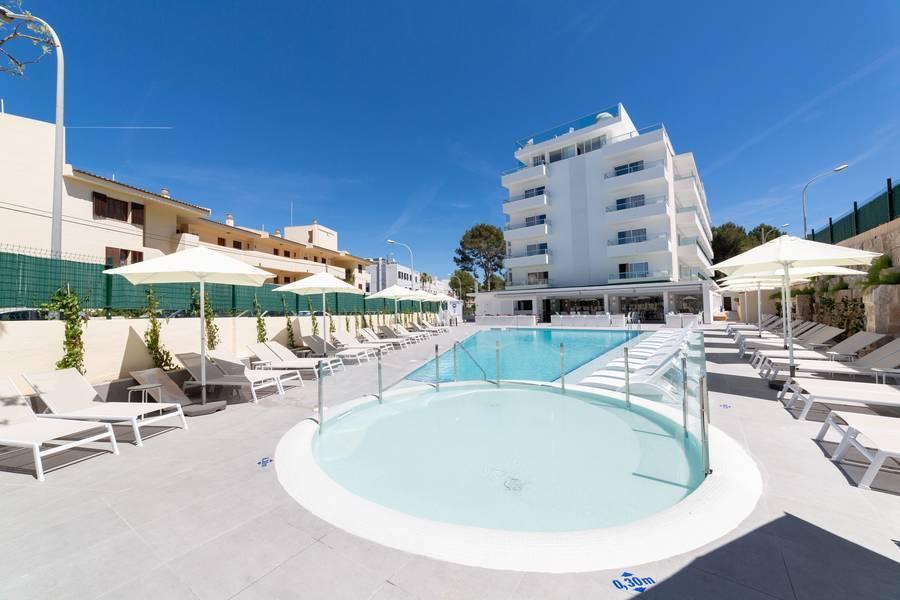 Holidays at Delfin Mar & Delfin Siesta Mar Complex in Santa Ponsa, Majorca